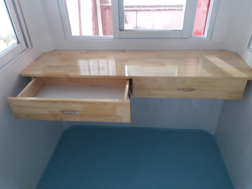 Sản đúc liền ốp nội thất và bàn làm việc gắn liền tường