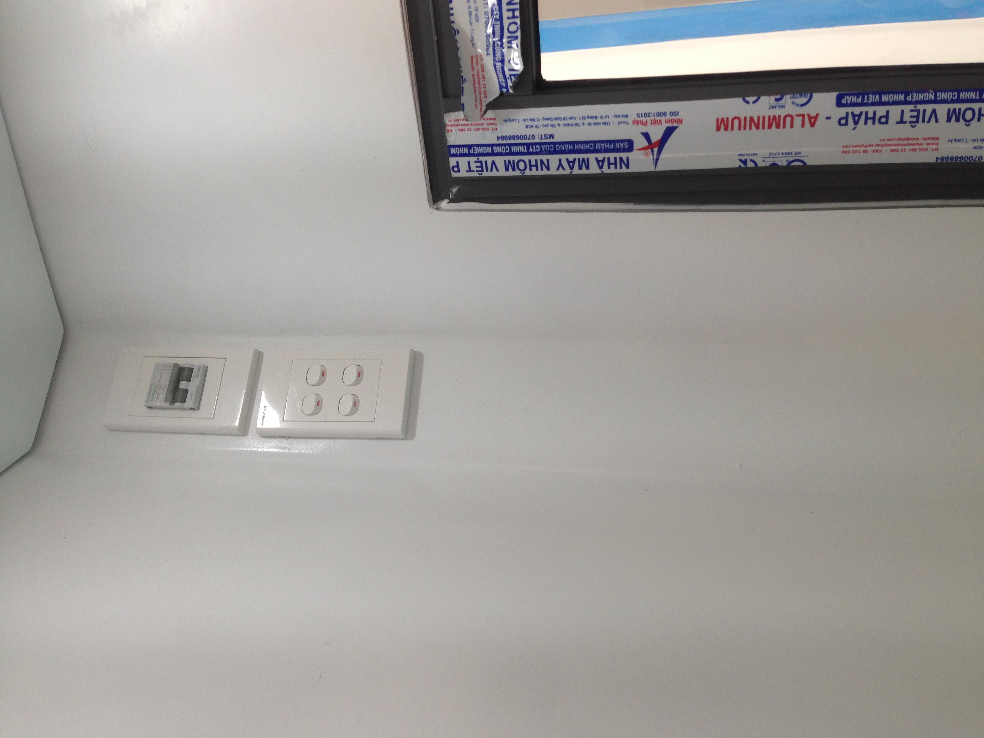 Hệ thống điện âm tường có rơle bảo vệ