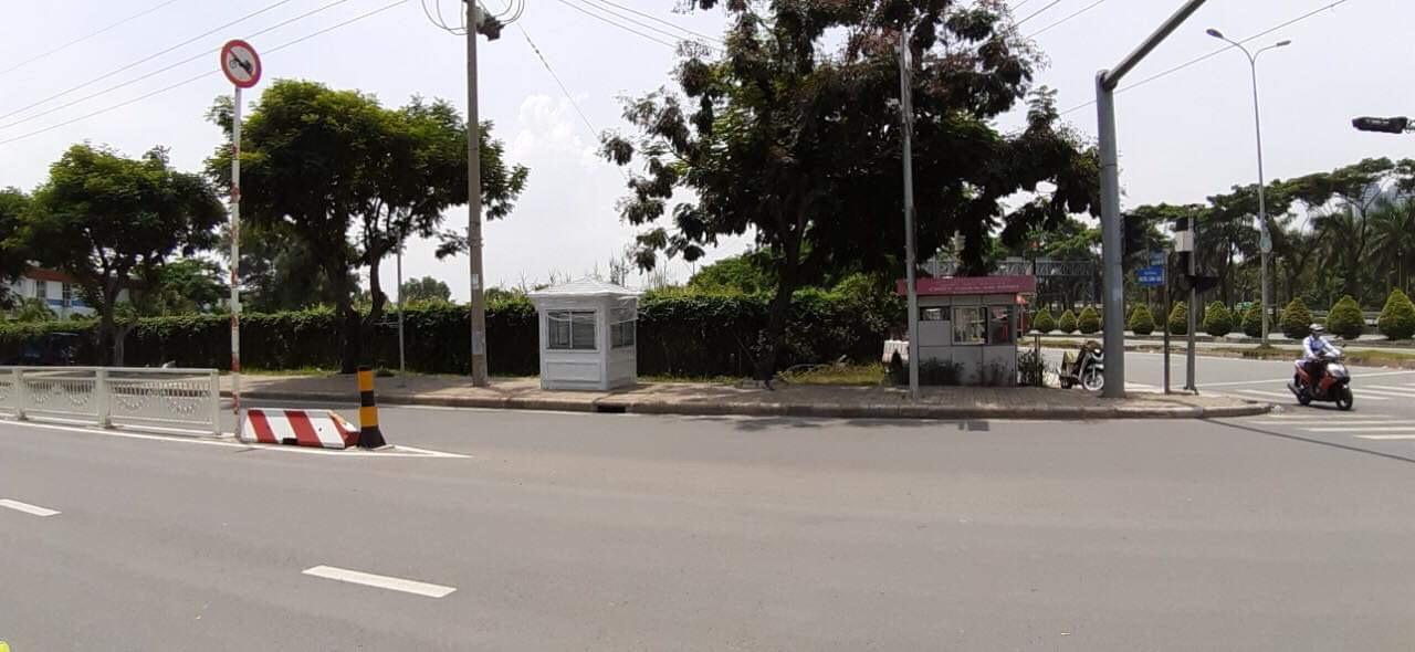 Chốt bảo vệ trên đường Nguyễn Văn Linh, Q7