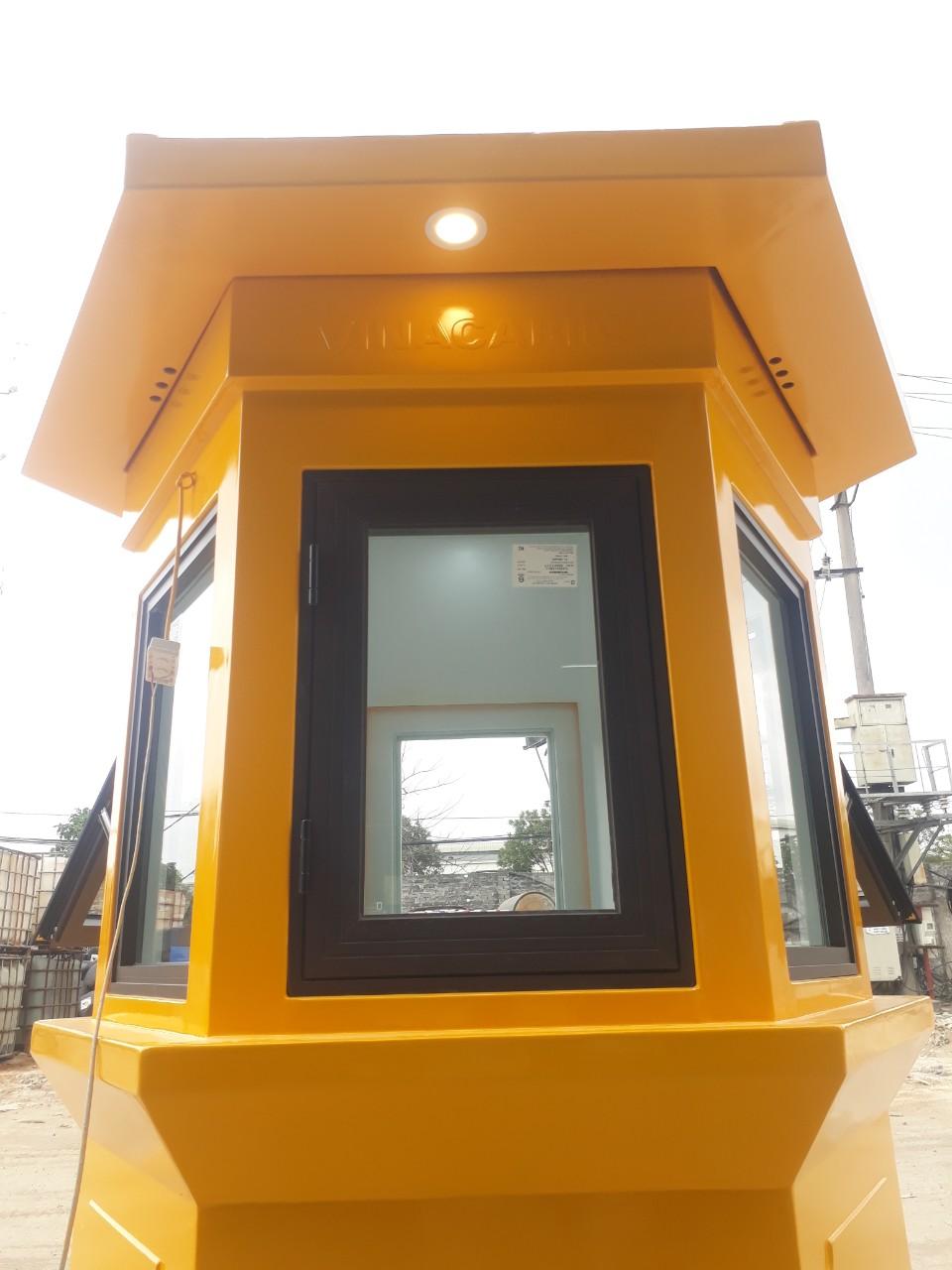 Bốt gác lục giác Vinacabin trang bị đèn chiếu sáng bên ngoài